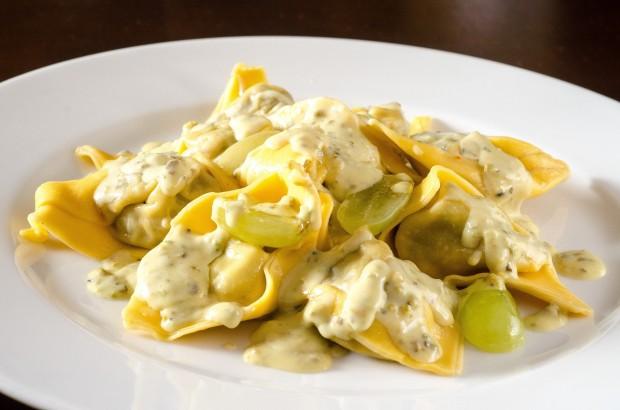 Tortelli de vitela ao molho de  pistache e espumante (2)