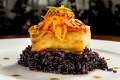 Ferraz - Lombo de bacalhau do Porto na cama de arroz negro